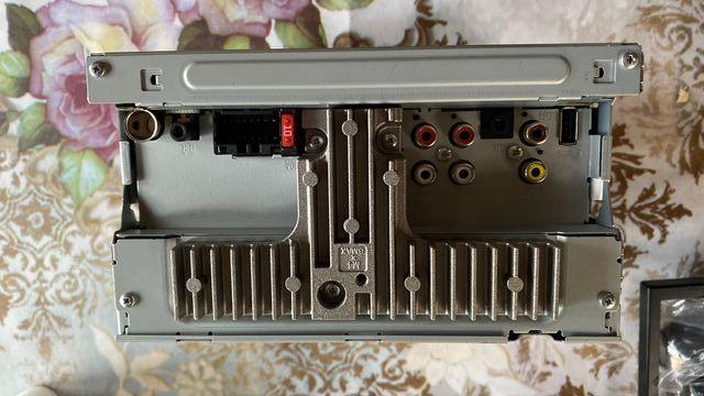 Pantalla Pioneer MVH-AV180