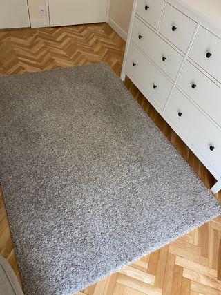 Tapis IKEA gris clair