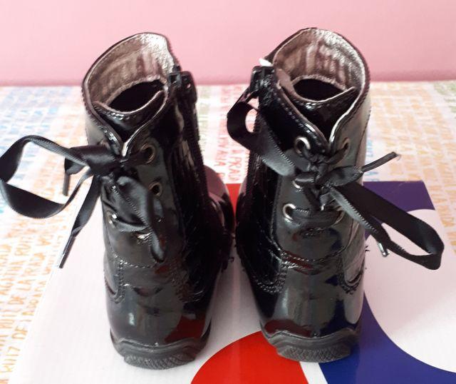 Botas niña color negro