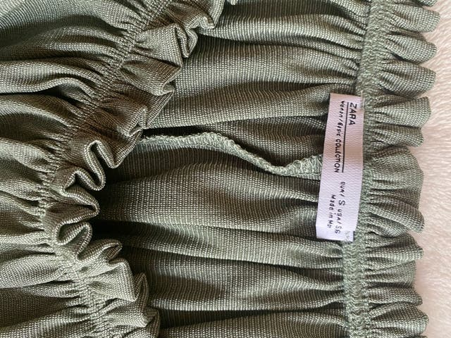 Crop top escote Bardot verde Zara - S