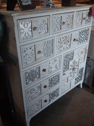 cómoda blanca vintage
