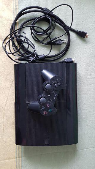 PlayStation 3 con cables + mando Dualshock 3