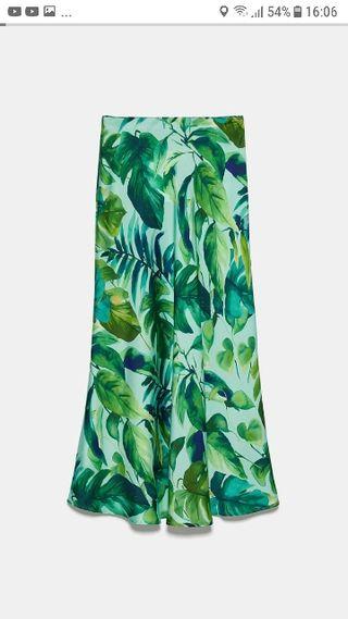 Falda verde estampado tropical