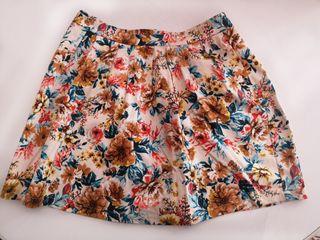 Falda corte de flores