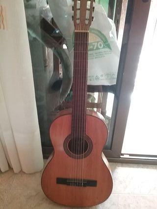 guitarra española flamenca de Juan estruch