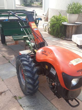 tractor agria