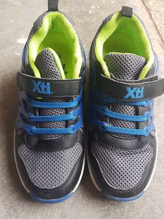 Zapatillas ruedas Xti niños talla 33