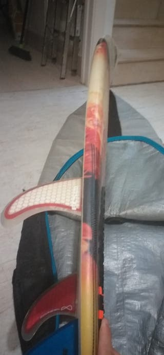 tabla de surf (fibra) 5'10 23 litros