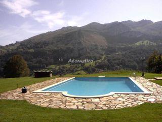 Casa con piscina en alquiler
