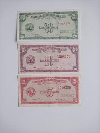 Tres billetes antiguos de Filipinas de 1949