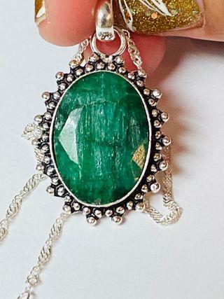 Colgante de esmeralda natural + cadena plata ley
