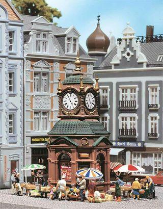 Maqueta escala H0 Faller 180583 reloj ciudad