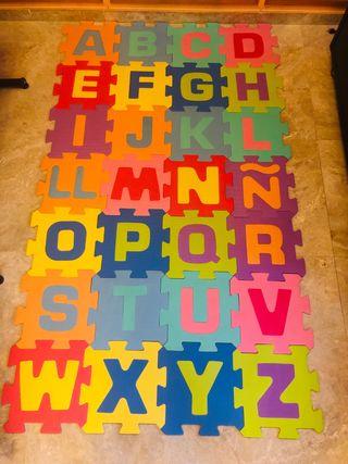 Alfombra puzzle Abecedario