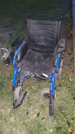 Para piezas o reparar silla de ruedas con motor