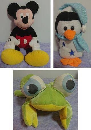 Peluches de Mickey Mouse, Pingüino y Rana