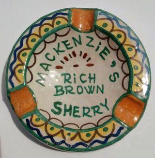 Cenicero cerámica sevillana de Triana Santa Ana