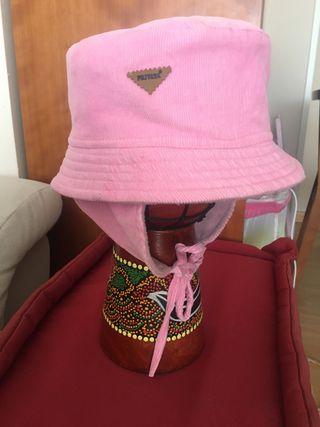Gorro de pana rosa para atar marca Privata