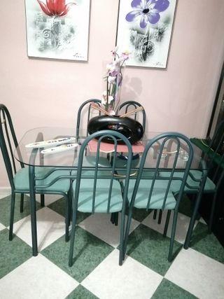 Mesa con 6 silllas