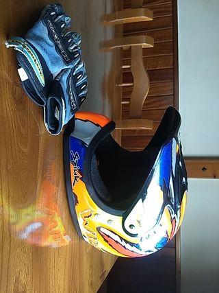 Casco de motocross NZI para niño.