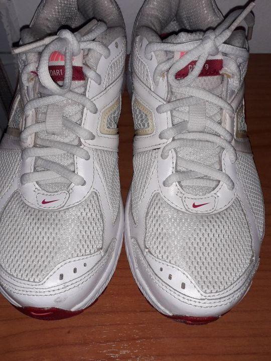 irregolarità Viaggio Celebrità  Zapatillas Nike Dart 9. Impact Groove. de segunda mano por 17 € en Tarrega  en WALLAPOP