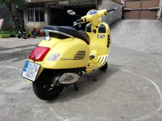 Vespa gts 300