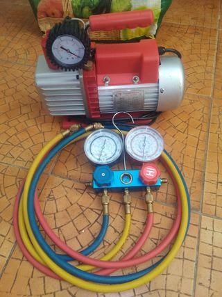 Bomba de vacío y manómetros aire acondicionado