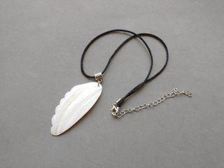 Collar colgante hecho a mano perlas blanco ala