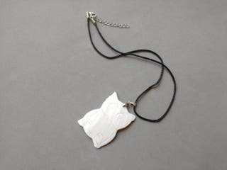 Collar colgante hecho a mano perlas blanco buho