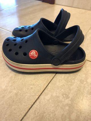 Crocs número 8