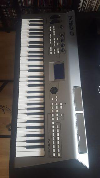 Teclado-sintetizador Yamaha MM6