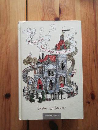 libro misteriosa sociedad Benedict