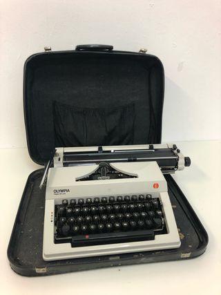 Máquina de escribir Olympia Regina Deluxe