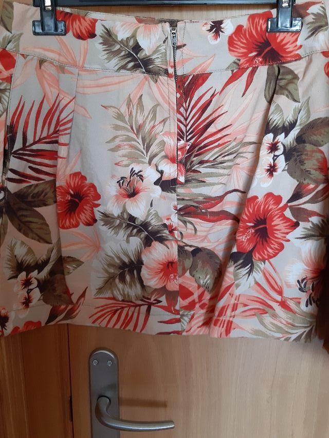 falda de flores tejido denim