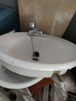 lavabo con grifo 15€