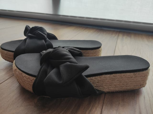 sandalias plataforma con lazo tino González