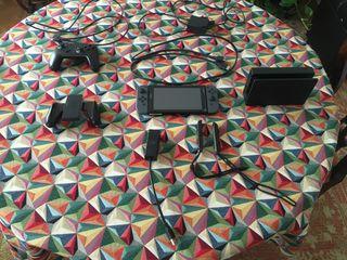 Nintendo Switch + Nintendo Switch Pro Controller