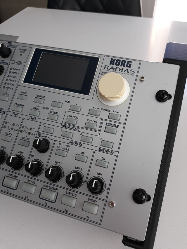 Sintetizador Korg Radias