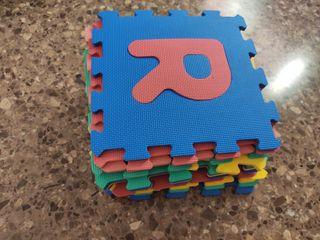 alfombra puzzle corcho