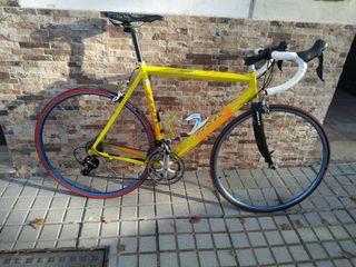 Bicicleta carretera Zeus Shimano 105 11V