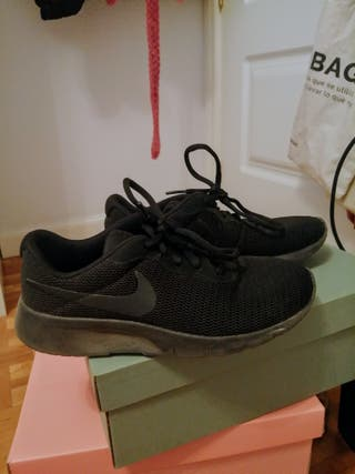 zapatillas deporte Nike negras talla 36