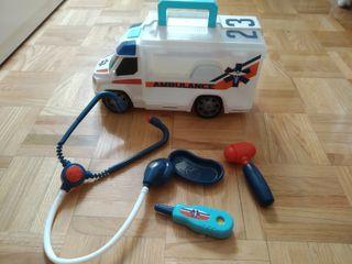 Ambulancia maletín médico
