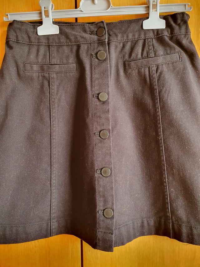 Falda negra corta