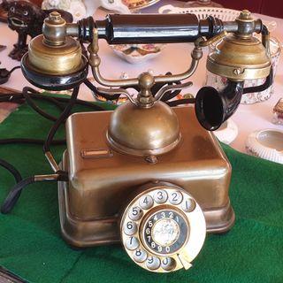 Precioso teléfono antiguo