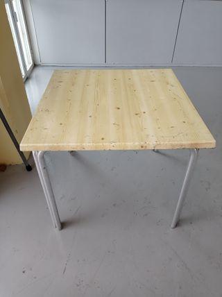 Mesas de terraza a 10 euros la unidad