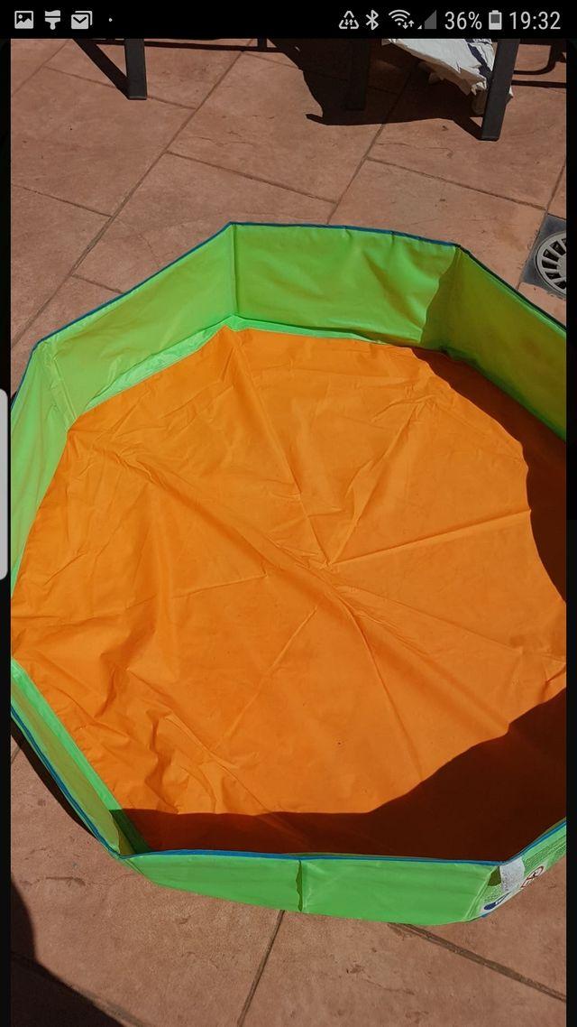 piscina , cuentos y puzzle infantiles