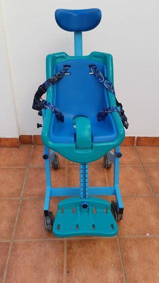 Silla de ducha para niños con parálisis cerebral