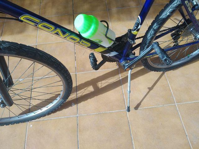 Bicicleta MTB recien salida del mecánico