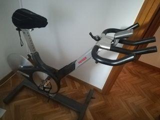 Bicicleta profesional spinning Keiser