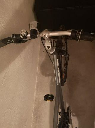 Bicicleta mixta (paseo/montaña)