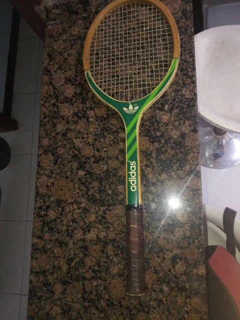 Adidas Junior Ads 010 Raqueta Tenis Anos 70 De Segunda Mano Por 30 En Badalona En Wallapop